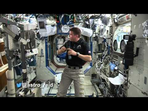 #askAstro: Discoveries From The Space Station
