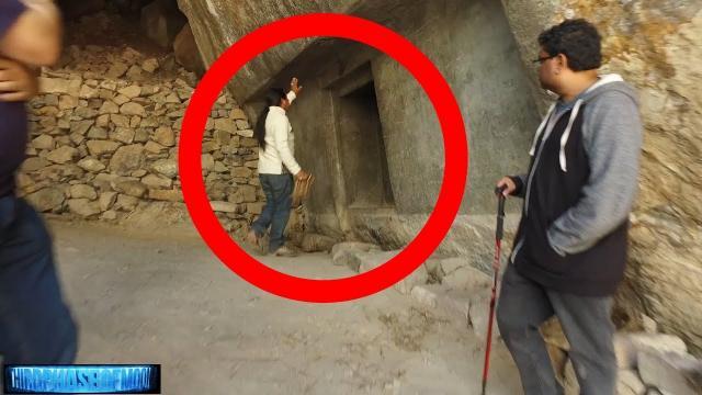 Unexplained Doorway! Ancient Alien Technology Lost? Peru! 9/22/17