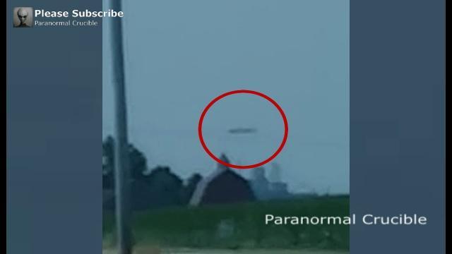 Cigar UFO Filmed Over  La Porte, Indiana