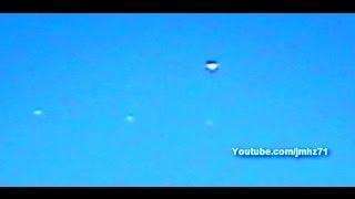 UFO Put Out Sphere,s Over Tijuana Mexico-OVNI Saca Esferas 12/03/2014