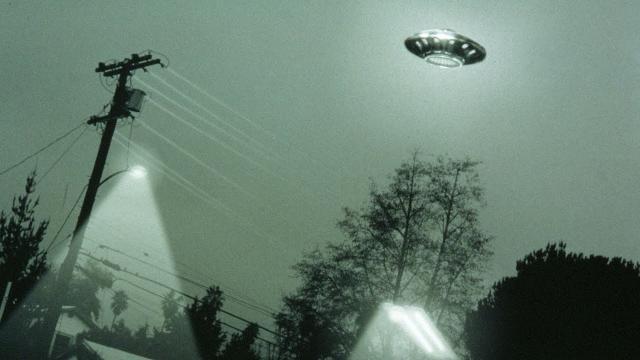 Lens 300mm: Two UFOs Near Aldebaran, Merry Christmas 2019 (Video 4K)