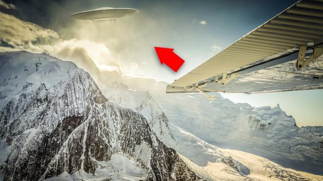 'World's Most Shocking UFO Footage' UFO Sightings 2017