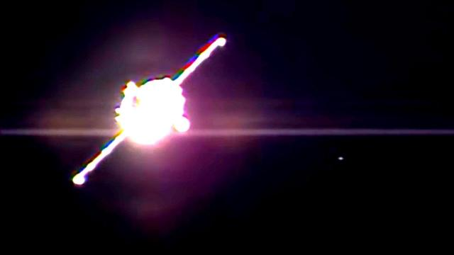 Swarm Of UFO's Seen During Expedition Docking At ISS On October 19th, 2016. (UFO News)