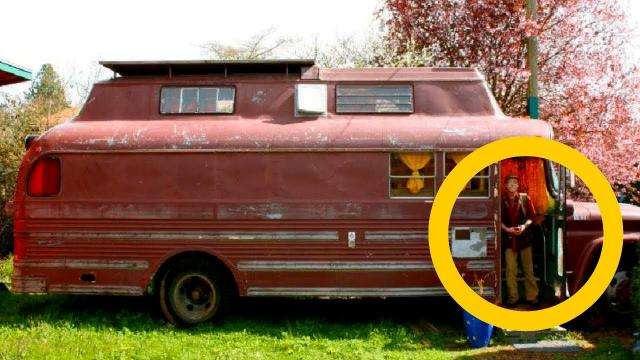 This Retired Man Converts Old Bus Into His Dream Home And When You See Inside You Will Be Impressed