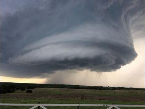 Crazy clouds & crazier storms & Tornadoes over Texas