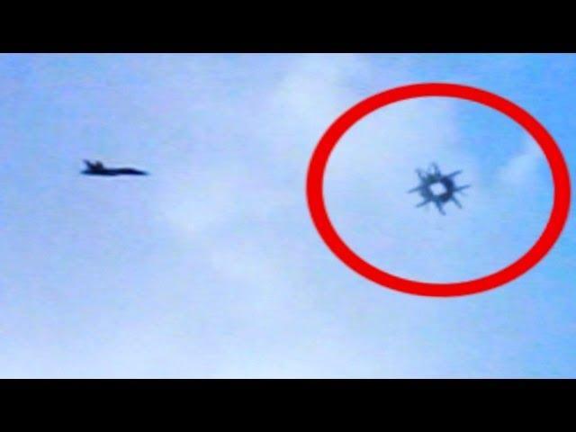 UFO Buzzes By A Jet In Saint Louis MAY, 2014