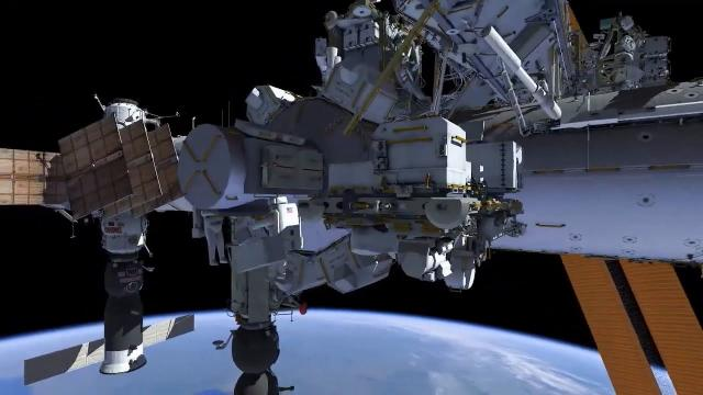 Installing ISS Docking Adapter for Starliner & Dragon - Animation