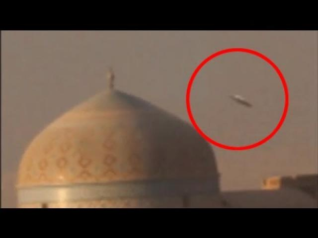 UFO Attacking Mosque | Shocking UFO Footage | UFO Attack Video Syria | Battle For Mosul | world news