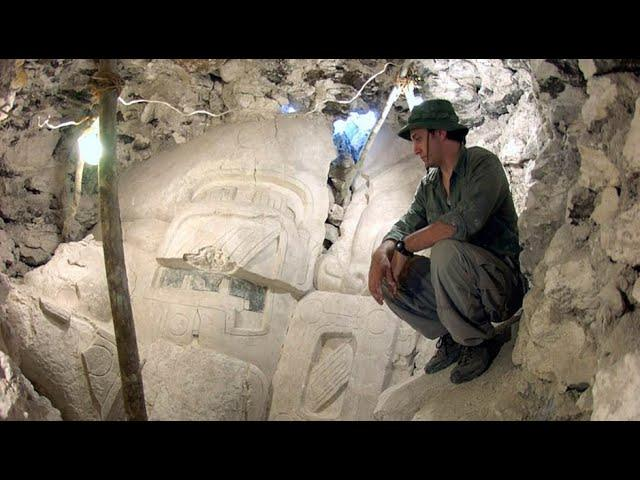 A giant Mayan mask as tall as a person  discovered in Mexico