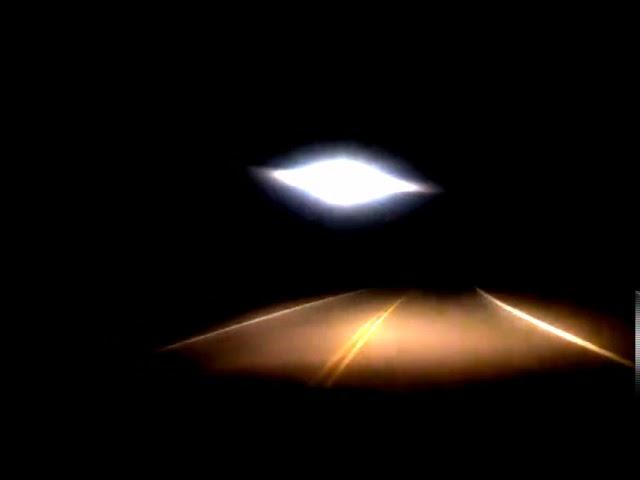 Argentina: Comodoro Rivadavia Resident Reportedly Records Highway UFO