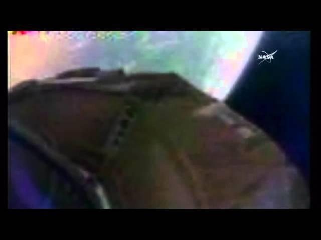 NASA's 'Flying Saucer' Parachute Shreds Again During Test Flight | Video