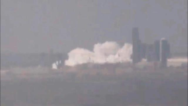 SpaceX Starship SN7 tank bursts during pressure test