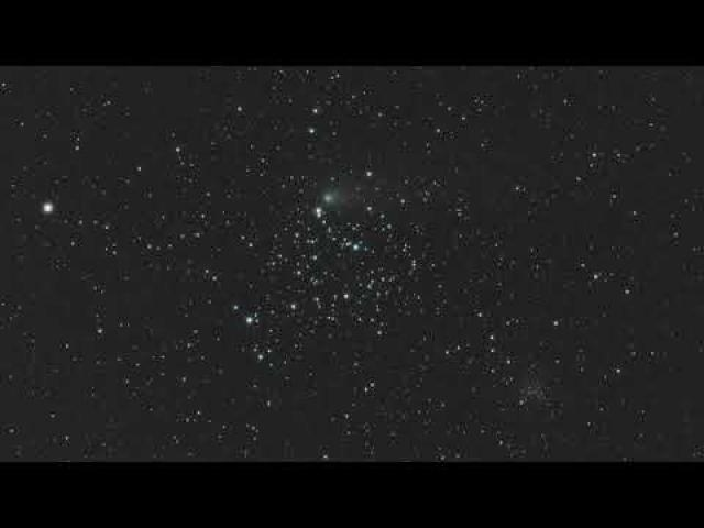 Watch a Comet Flyby Big Star Cluster M35 in New Time-lapse Video