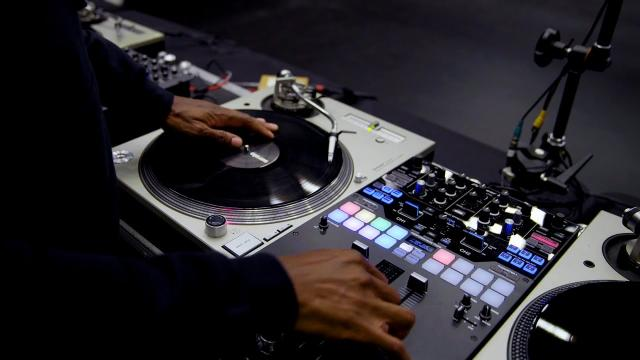 Learn to scratch from a DJ master