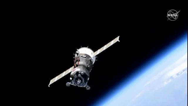 Soyuz Slews! Can't Lock On to Space Station Docking Port