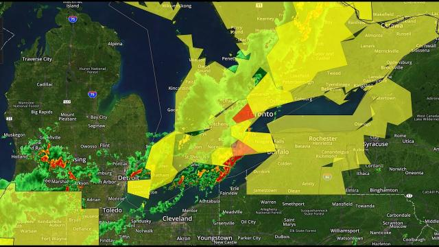 Alert! Toronto Tornado Warning & Heavy Illinois Rain.