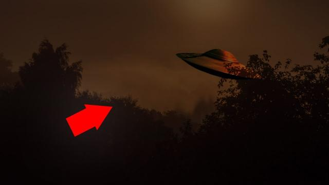 Amazing UFO Sightings In The Skies!! Mysterious UFO With Lights!!